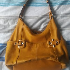EUC tignanello mustard purse handbag leather